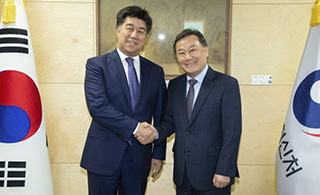 Meeting between the Сhairman of the Steering Committee  of the Astana Civil Service Hub and the Minister of Personnel Management of South Korea was held in Seoul